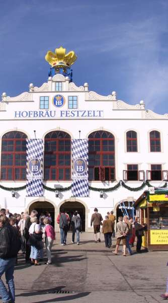 Hofbräuzelt in sintesi